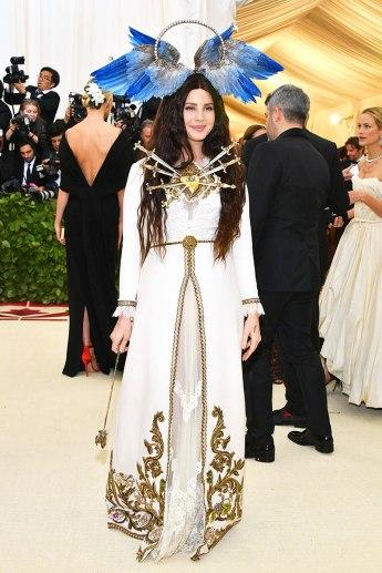 met-gala-2018-red-carpet-best-looks-lana-del-rey in gucci (1)